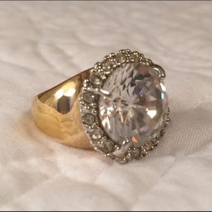 Jewelry - Gold Colored Cocktail Ring